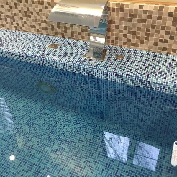 Мозаика для бассейна на сетке AKS002